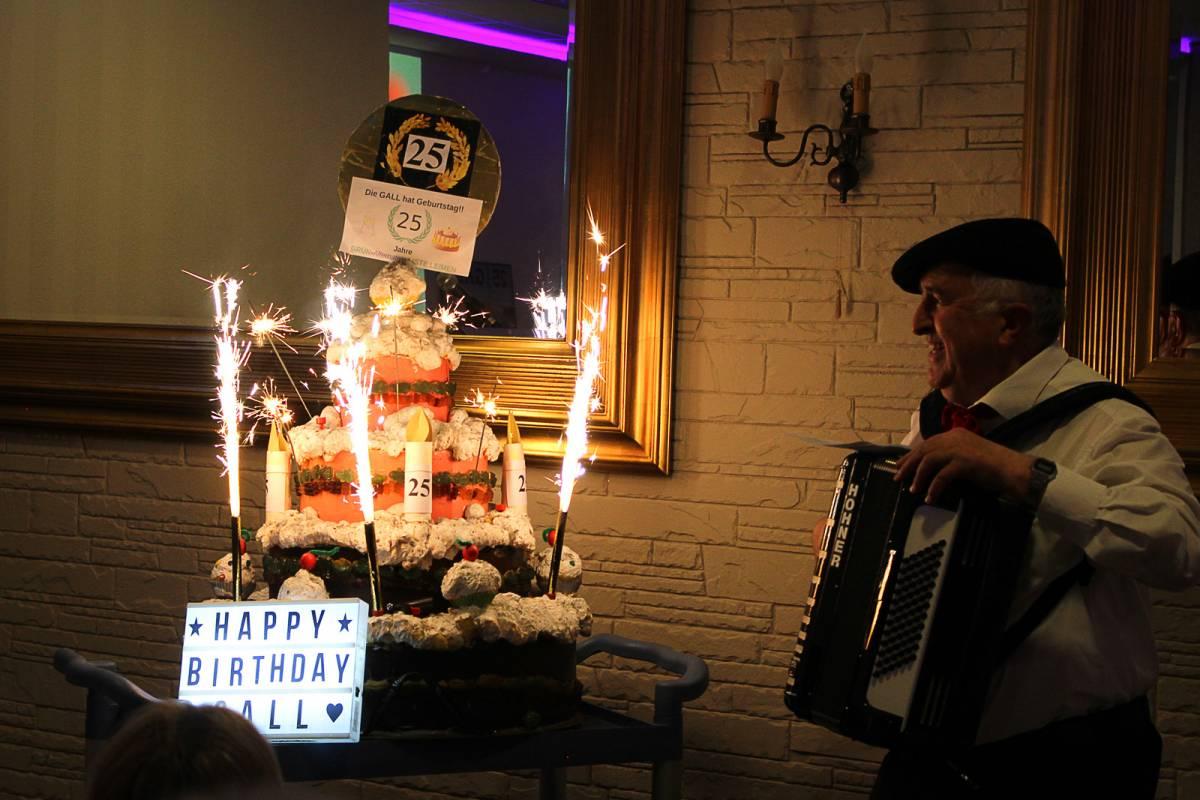 25-Jahre-GALL_Geburtstagstorte